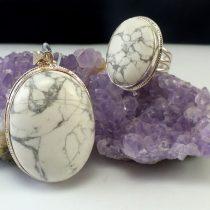 آویز و انگشتر نقره زنانه با سنگ هاولیت