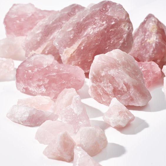 نمونه هایی از سنگ راف و تراش نخورده رزکوارتز