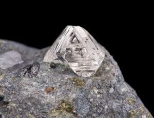 سنگ راف الماس