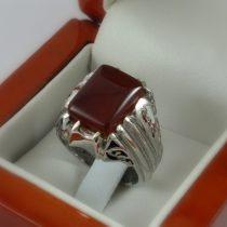 انگشتر عقیق سرخ با رکاب دست ساز جواهری نقره